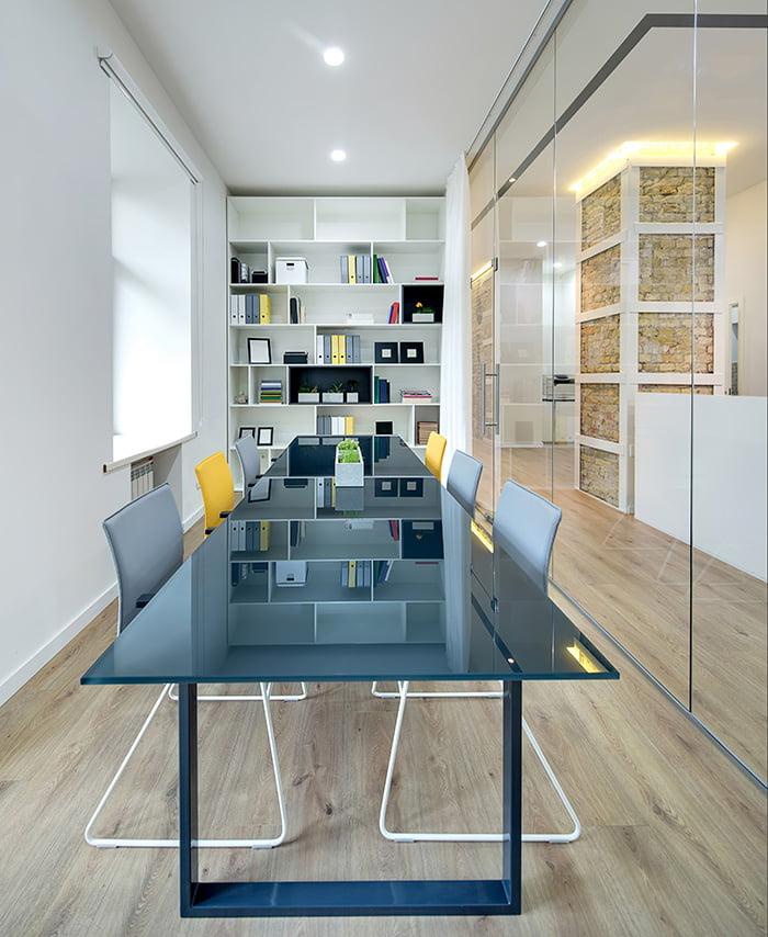 Agencement de bureaux modernes par Elégance au m2