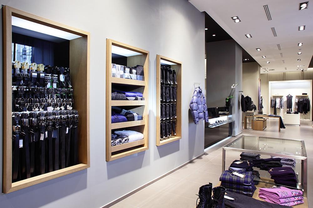 Spécialisés dans l'architecture commerciale, nous réalisons chez Elégance au m2 l'agencement de votre magasin (mobiliers, merchandising...).