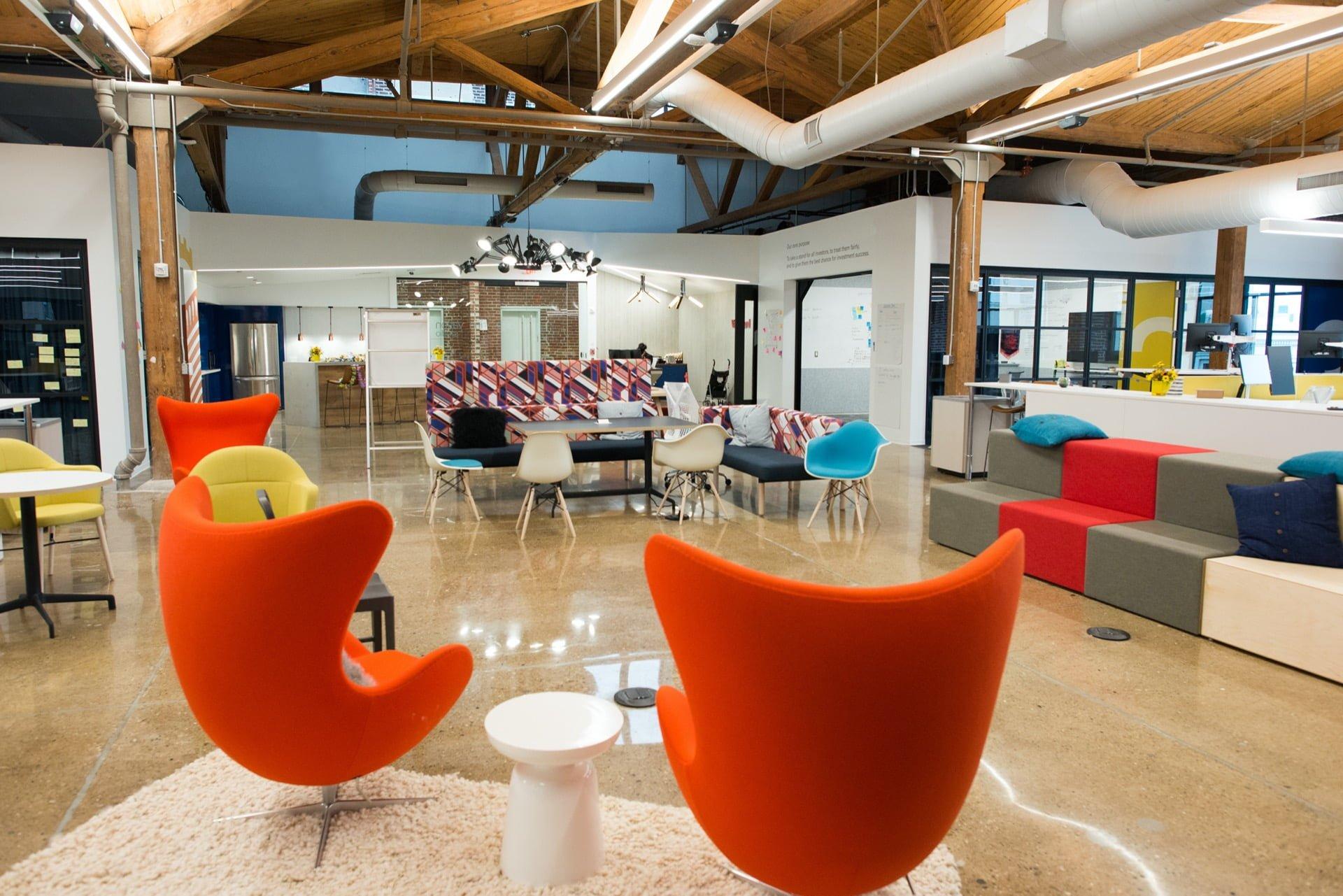 Aménagement de bureaux professionnels par Elégance au m2