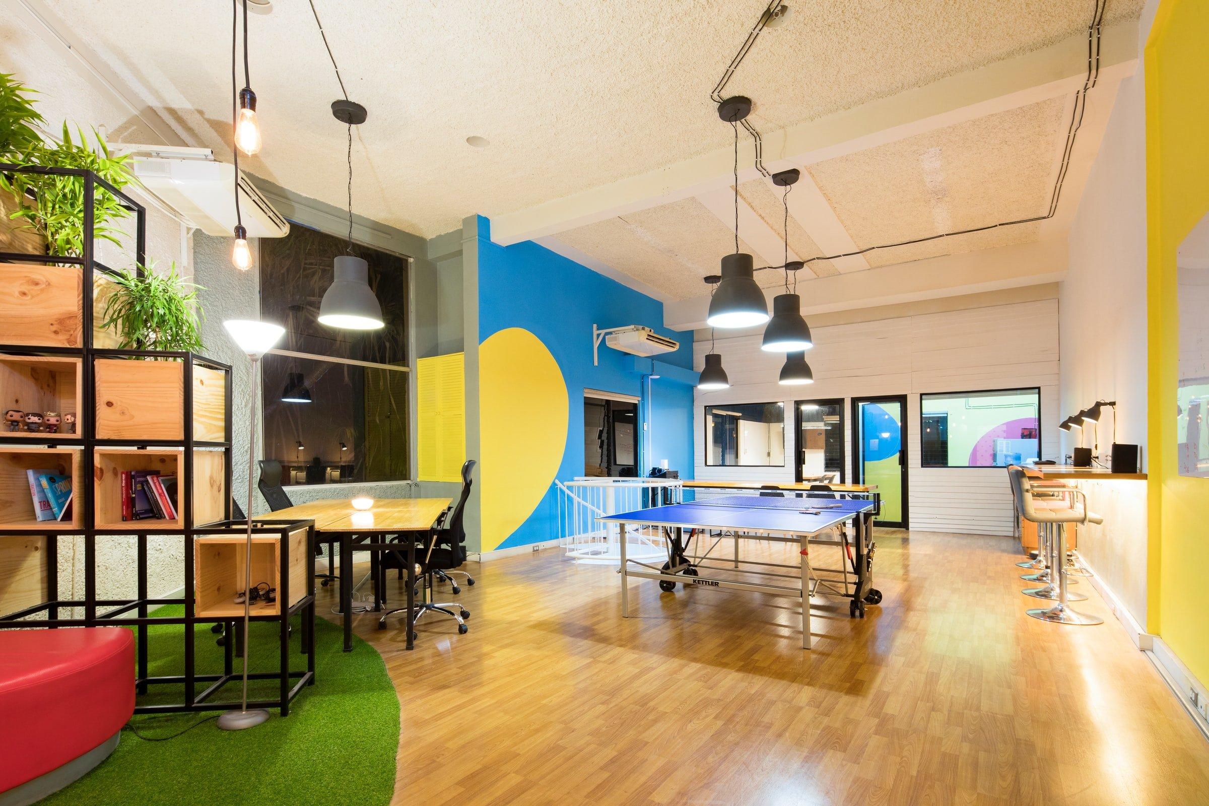 Salle de repos, salle de réunion, salle de jeux... Nous réalisons l'intégralité de l'aménagement de vos bureaux professionnels chez Elégance au m2 !