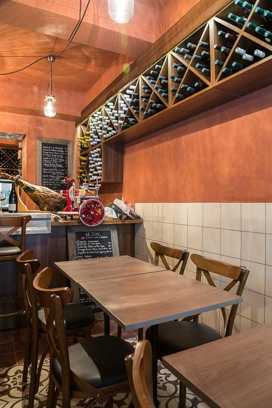 Implantation d'une salle de réception par Elégance au m2 pour ce bistrot provençal à Aix-en-Provence.