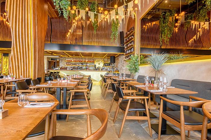 Choix de la décoration intérieure et du mobilier de votre restaurant avec l'aide de notre agence d'architecture Elégance au m2